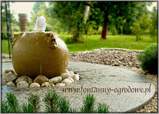 Unikatowa kamienna fontanna
