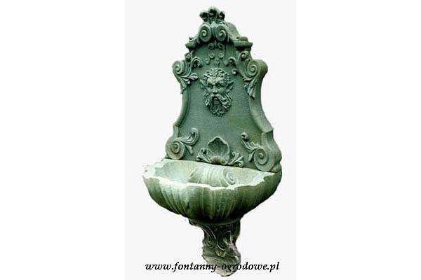 Fontanna wisząca, ścienna z maszkaronem w stylu włoskim