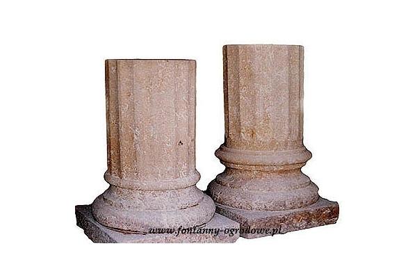 Kolumny z piaskowca