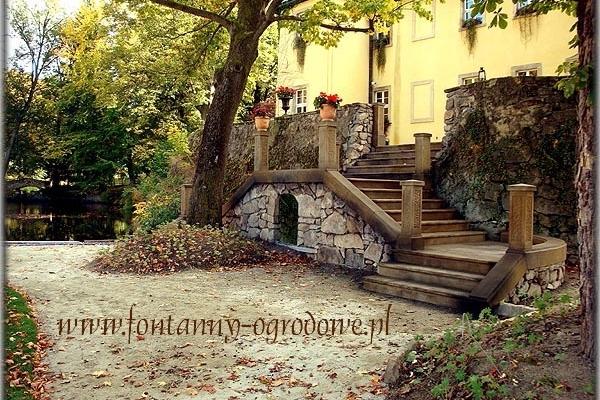 Kamienne schody z piaskowca